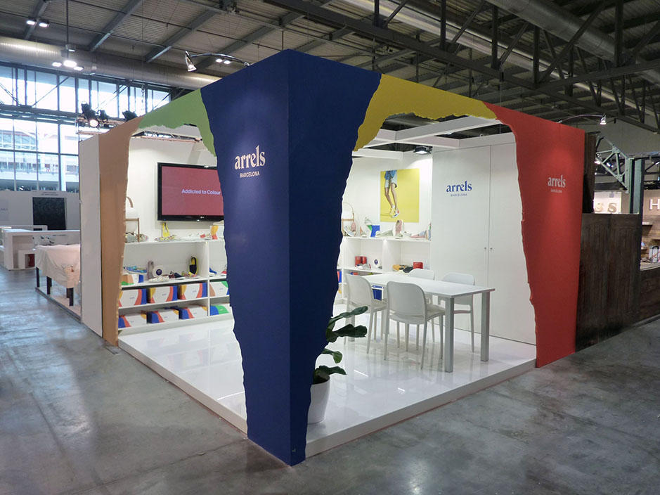 DESIGN AND CONSTRUCTION of a BOOTH for ARRELS MICAM MILAN ITALIA