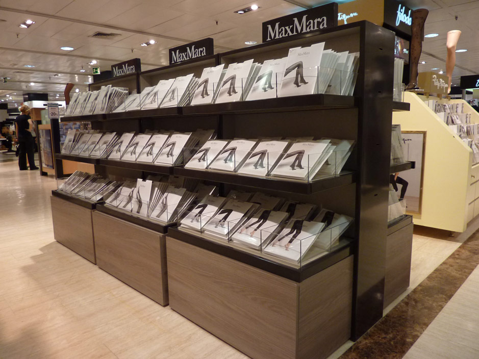 DESIGN AND CONSTRUCTION of a BOOTH for MAX MARA EL CORTE INGLES PROYECTO GENUS